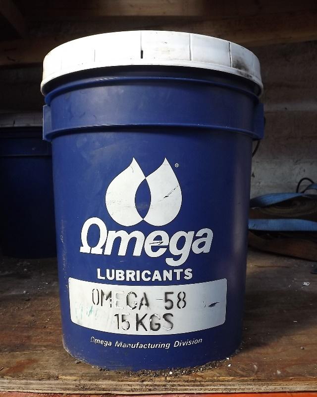 01_Omega-58-food-machinery-grease